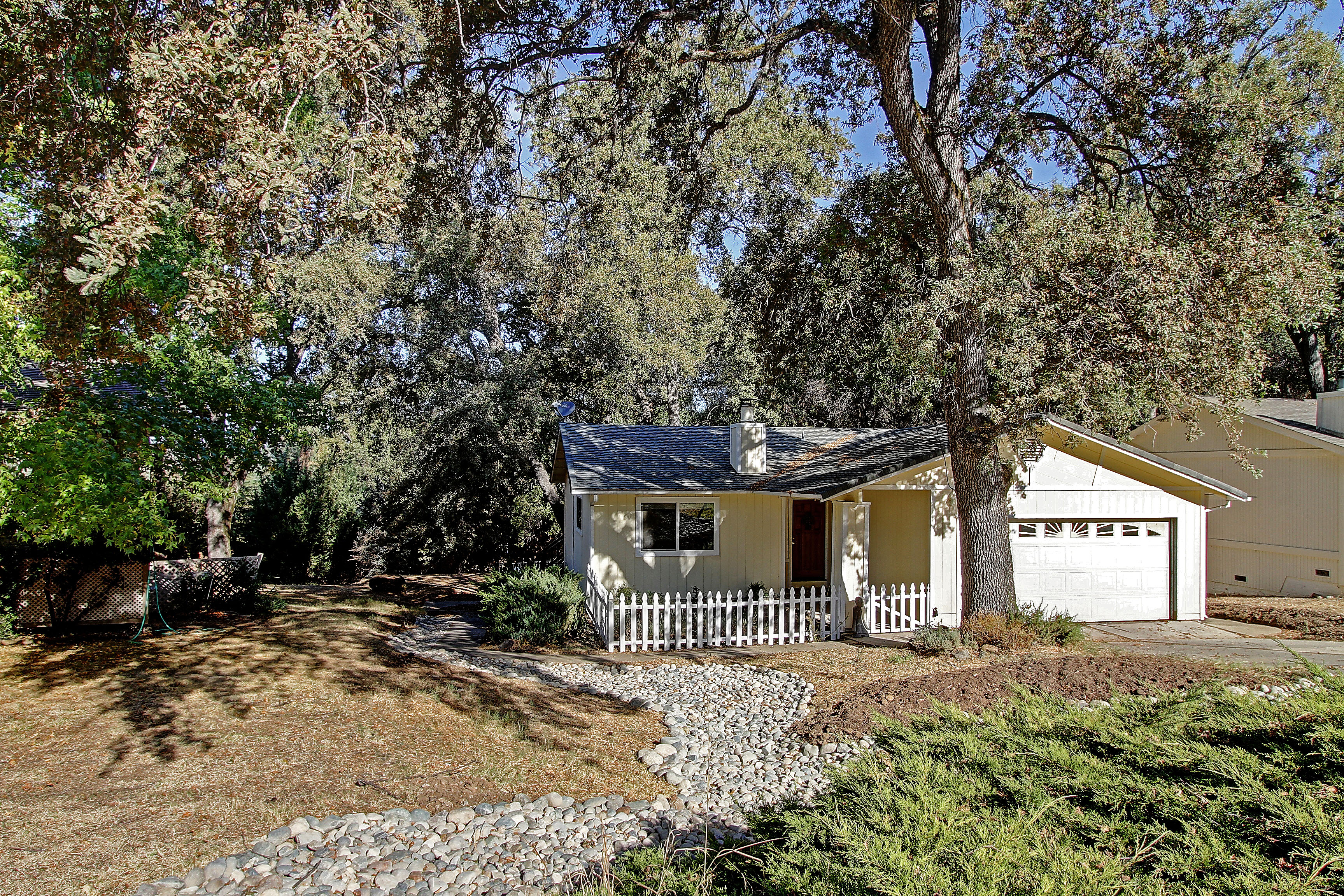 california cutie home for sale in penn valley ca